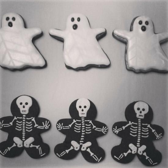 ghosts_skeleton_cookies.jpg