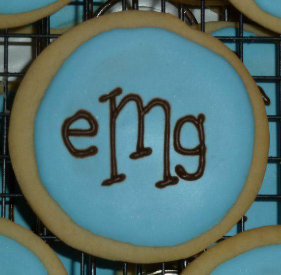 monogram_wedding_cookies.jpg