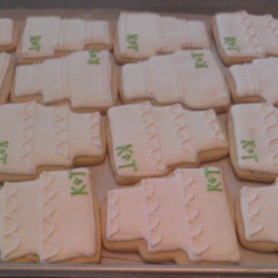 wedding_cake_cookies.jpg