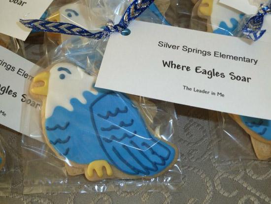 eagle_mascot_cookies.jpg