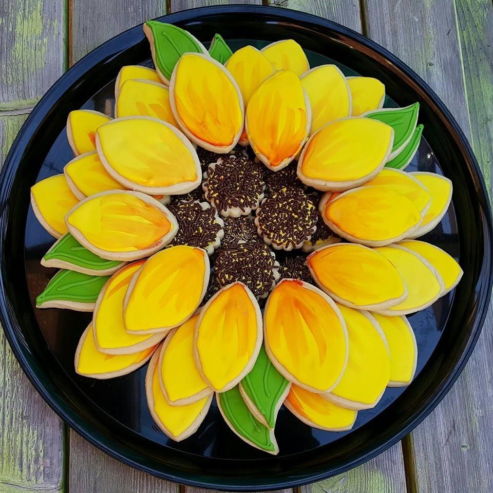 sunflower cookies_birthday.jpg