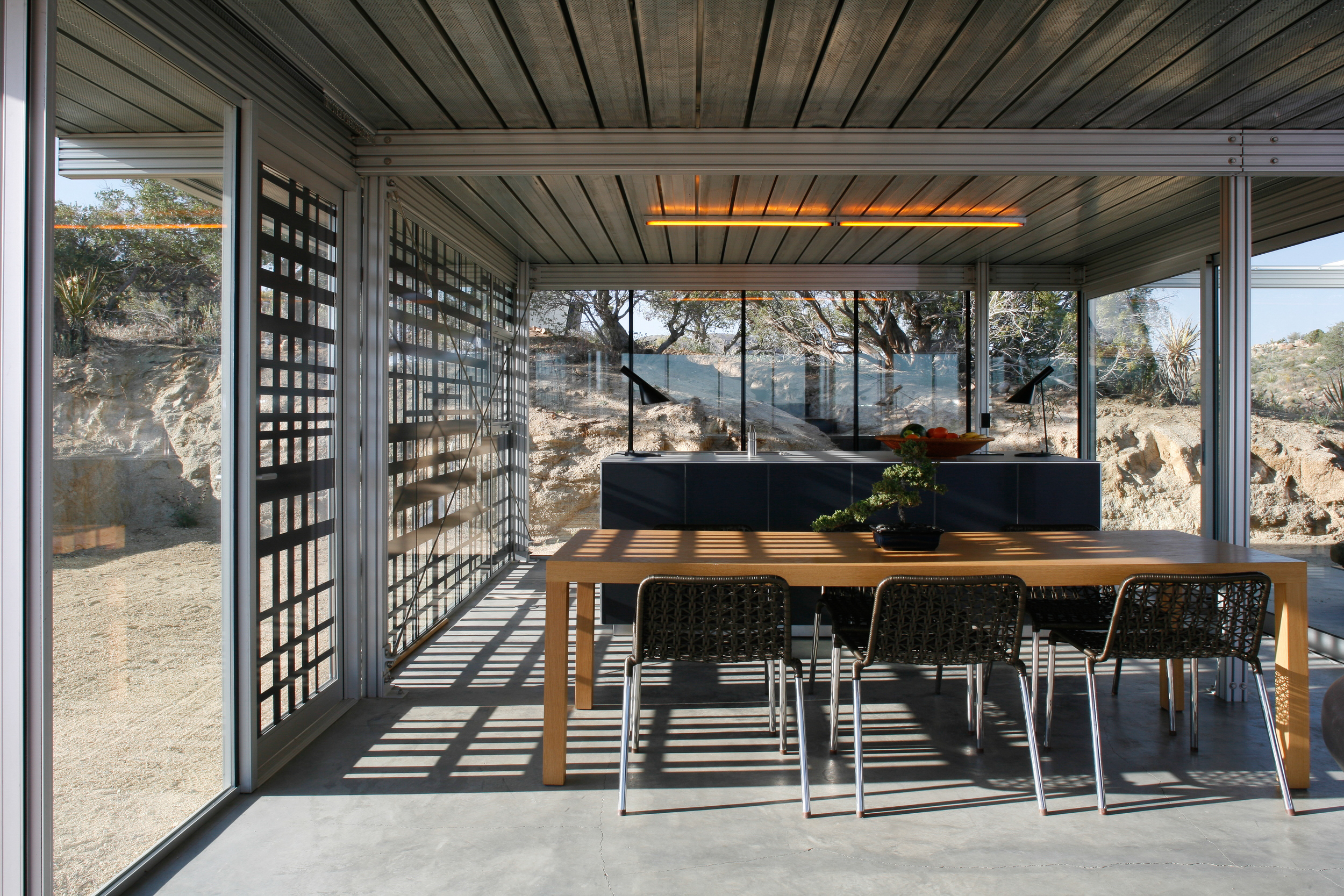 Off Grid IThouse-3.jpg