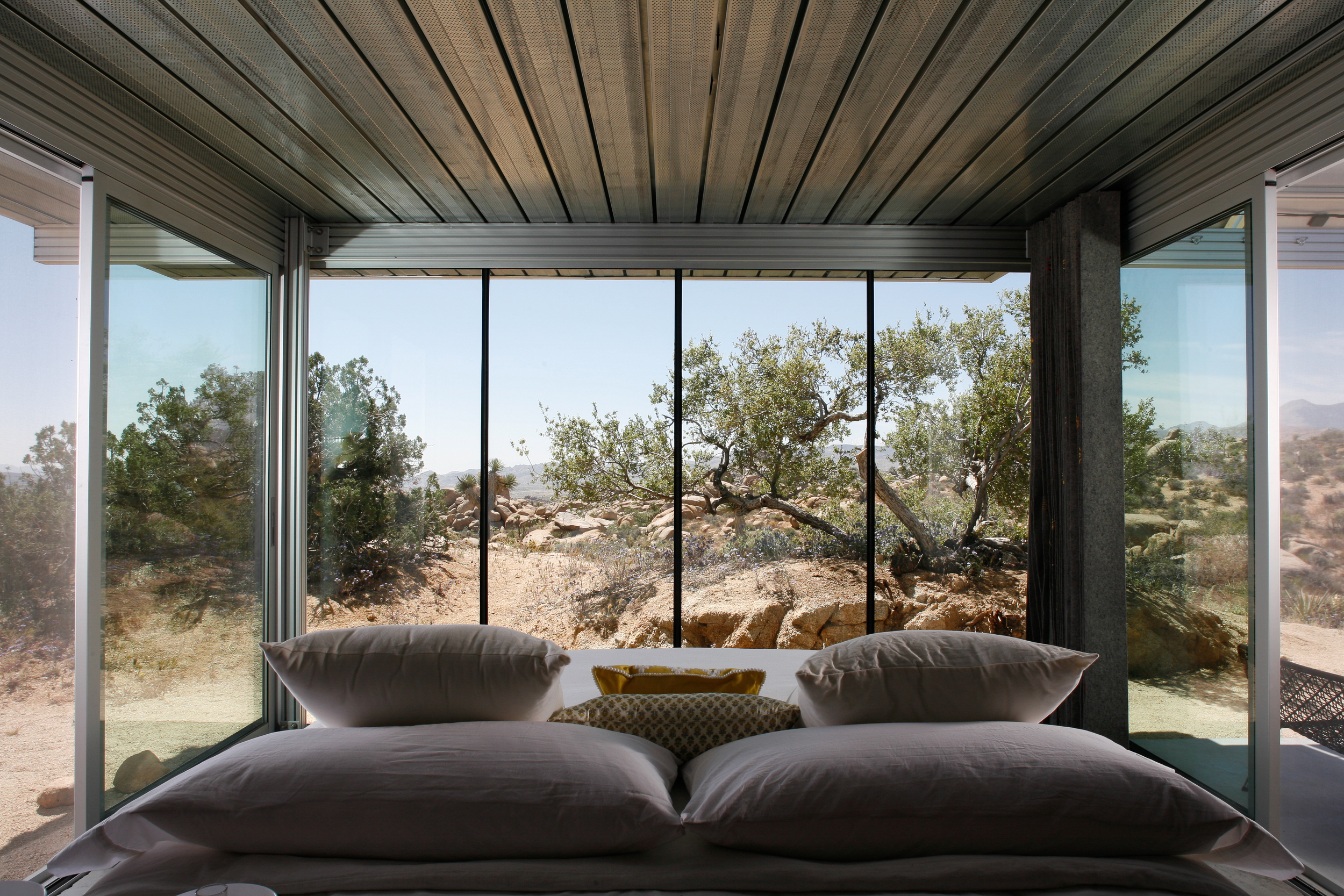 Off Grid IThouse-4.jpg