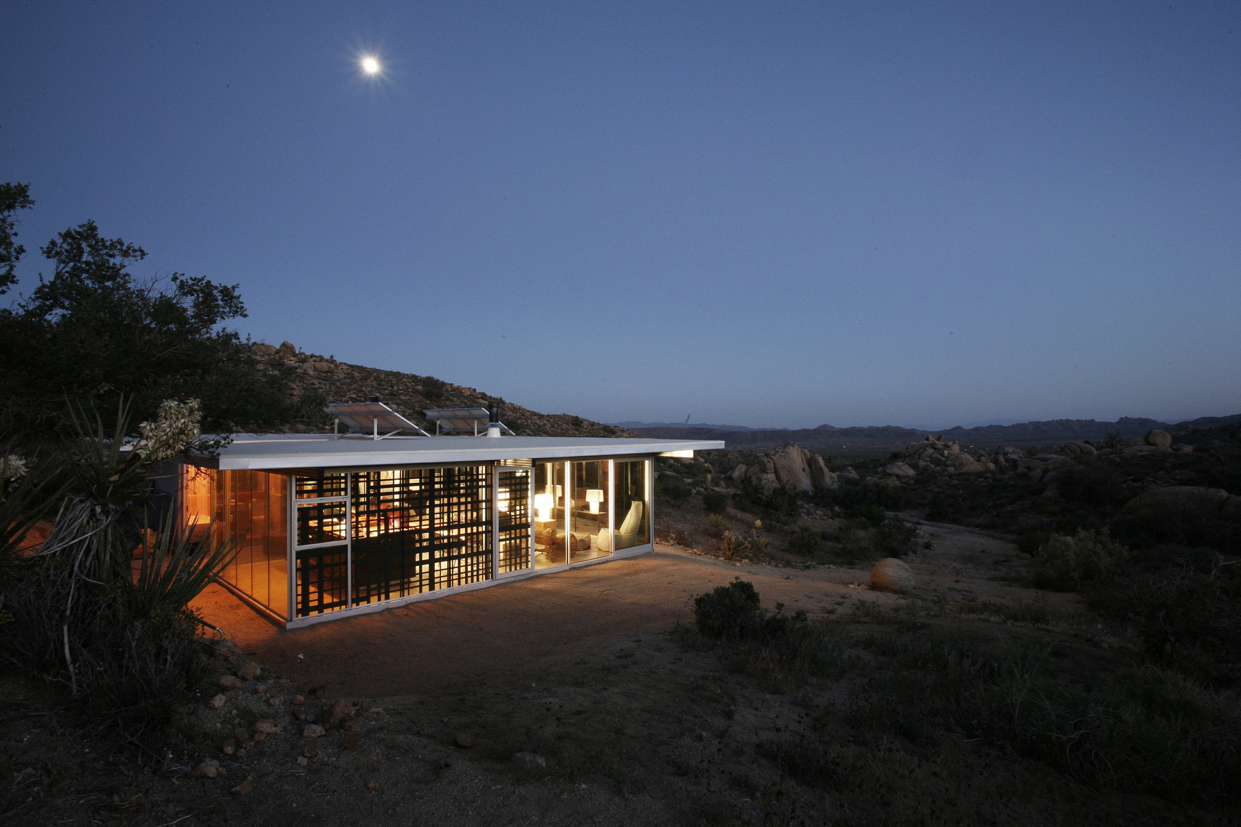 Off Grid IThouse-6.jpg