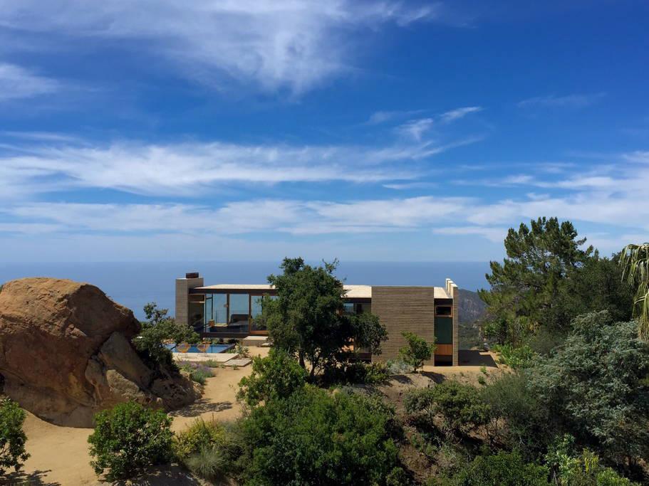 Saddle Peak House-3.jpg
