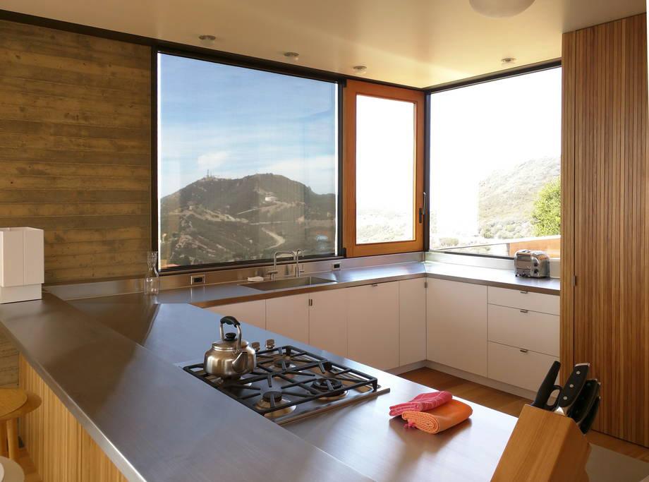 Saddle Peak House-14.jpg