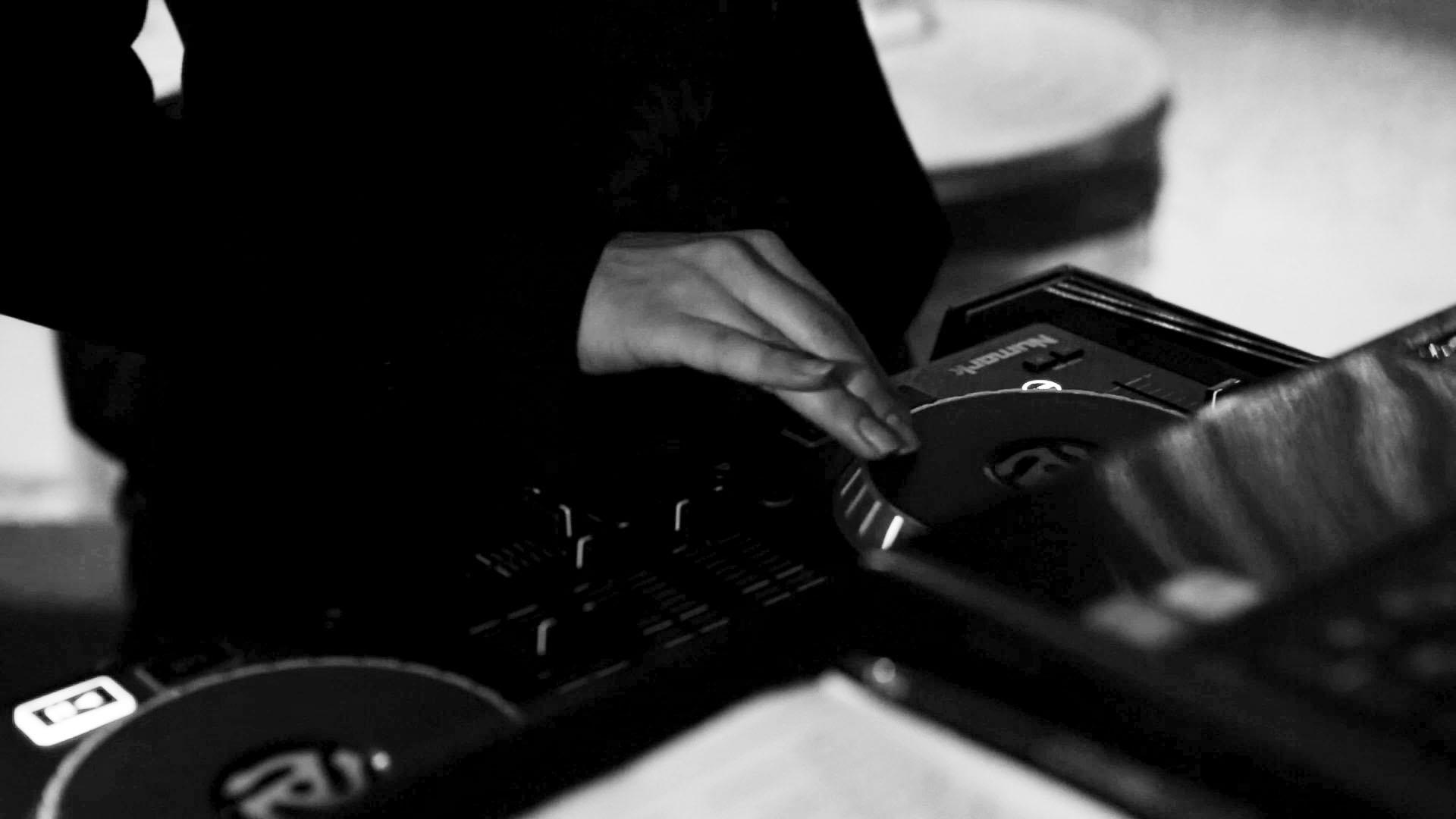 DJ - FULTON PRODUCTIONSADAGIO DJ