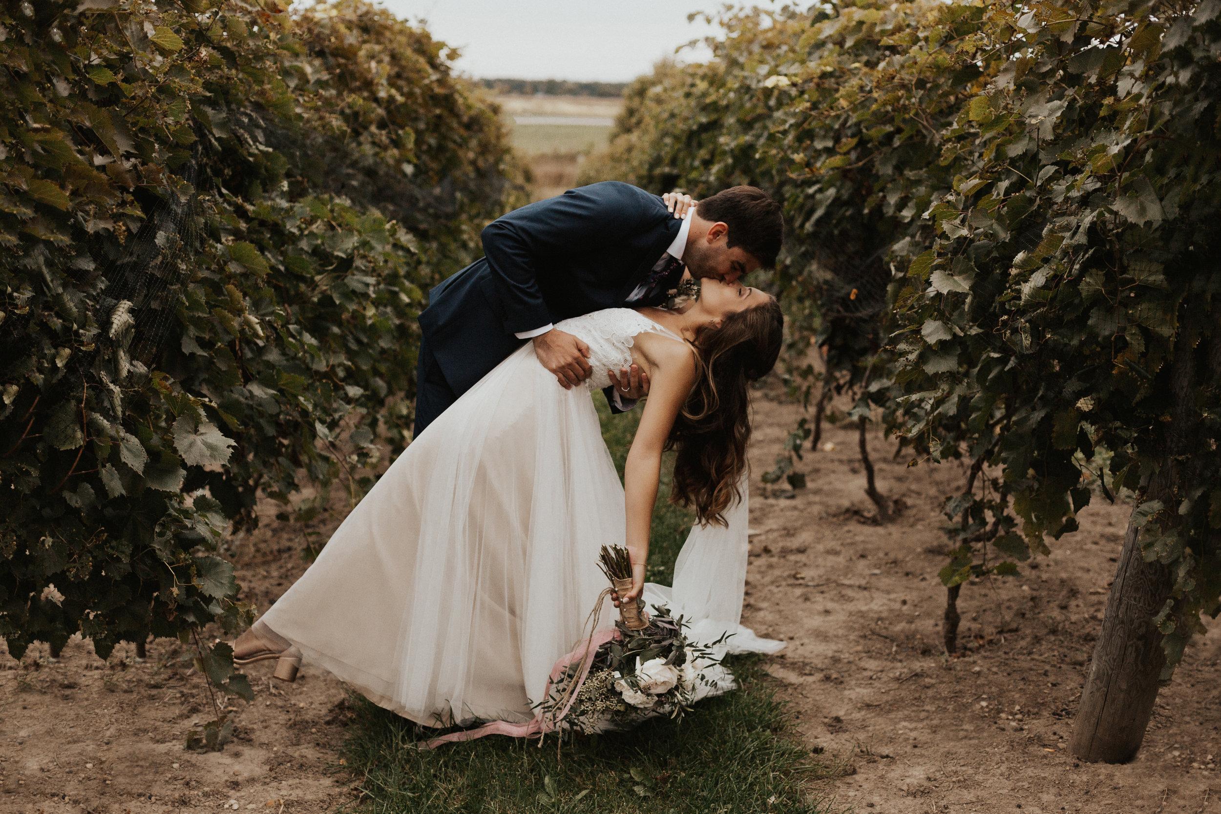 ROMANTIC VINEYARD ESCAPE WEDDING