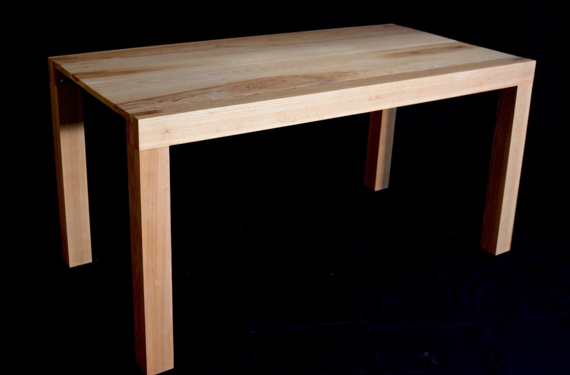 Ash extendable table