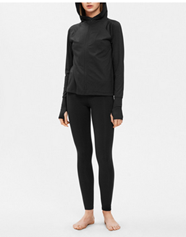 Filippa K soft Sport - Zip hoodie, suitable for running with elastic drawstring at bottom, and with thumb holes at the cuffs. Made from quick-drying fabric, that wicks away body moisture  in a clean production process. A brushed backside provides softness and warmth.