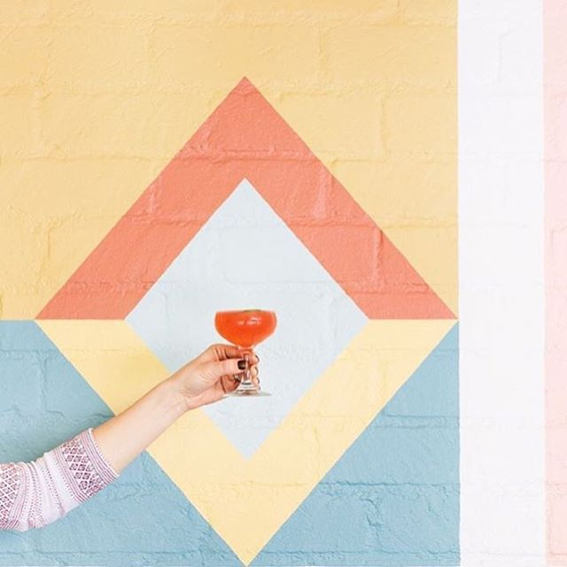 Raising a glass to the weekend like 🍹 // 📷: @sugarandcharm // #Weekend #TheFreakinWeekend #Friday #FriYay #WeekendVibes #FridayVibes #Vibes #Imbibe #Cocktail #Cocktails #CocktailCulture #NYCLovesCocktails #Summer #City #SummerCocktails #Flavor #Refresh #DrinkYourColors #SummerTippler