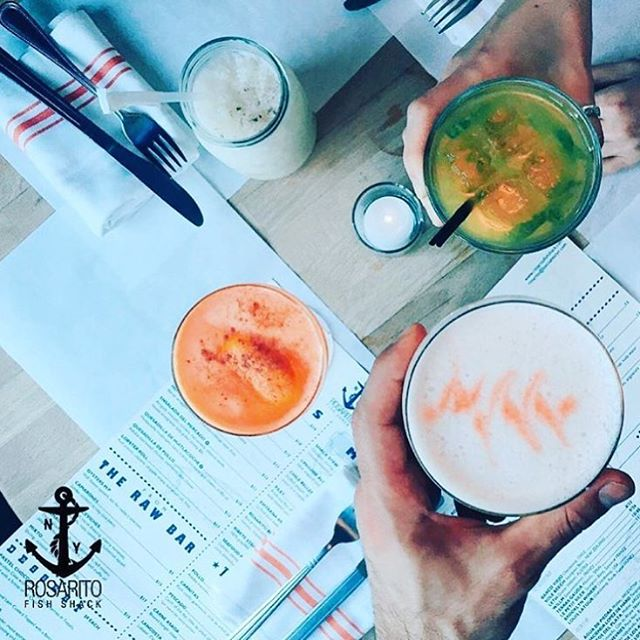 Doing #TacoTuesday right at @rosaritofish in BKLYN. // #NYC #Brooklyn #Williamsburg #Cocktails #Summer #SummerCocktails #Tropics #Tropical #CocktailCulture #NYCLovesCocktails #Flavors #FlavorGuide #TropicalCocktails #Sweet