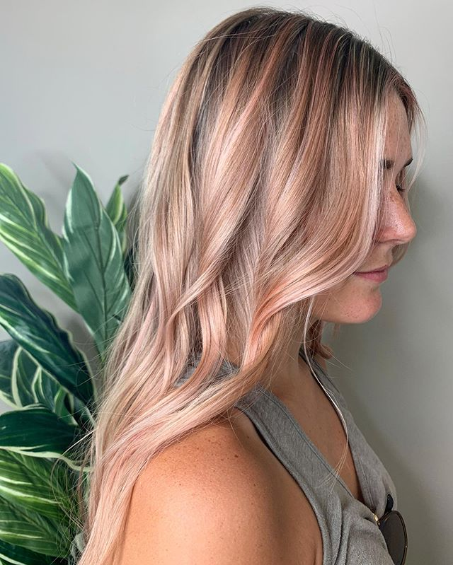Subtle splash of pink to brighten up 💕 We love when our clients want to try new things with their hair! What is your dream color? . . . #pinkhair #splashofcolor #blonde #blondehair #foils #summerhair #hairgoals #hairinspo #americansalon #modernsalon #oribeobsessed #goldwellapprovedus #yourbesthair