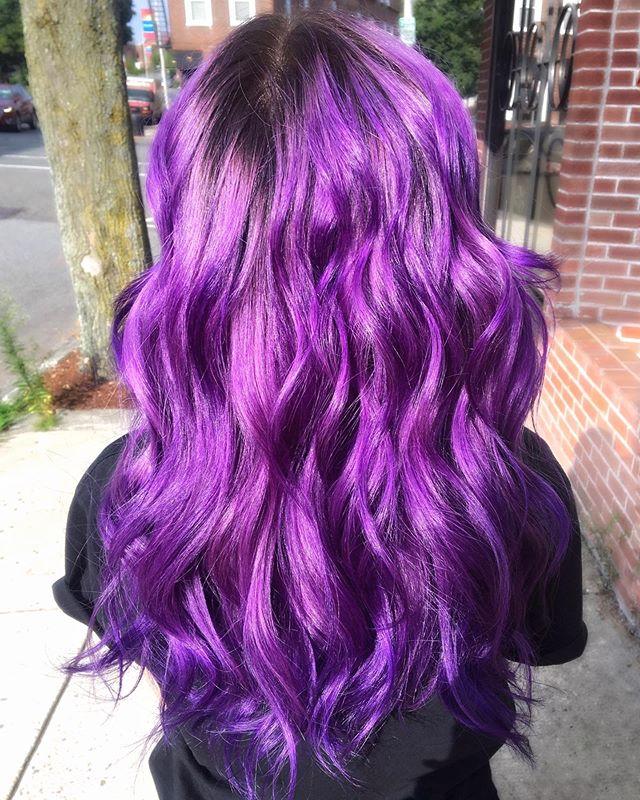 💜p u r p l e h a z e💜  This magical color serves major hair inspo vibes 🔮  hair by: @hairbyjpiro13  color: @goldwellus