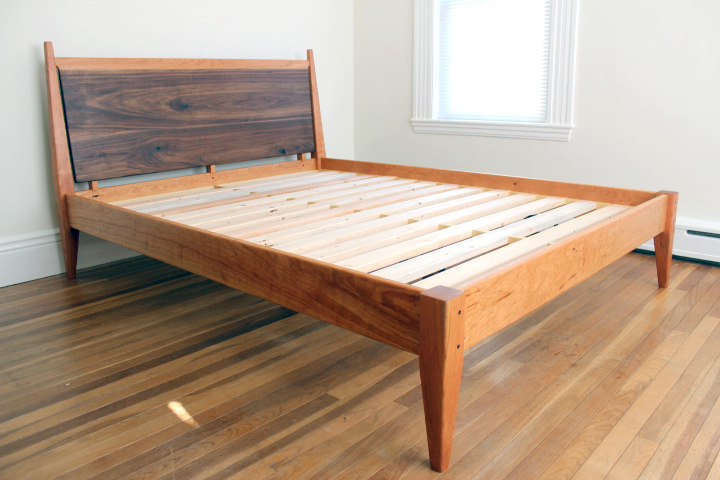 bed side view.jpg
