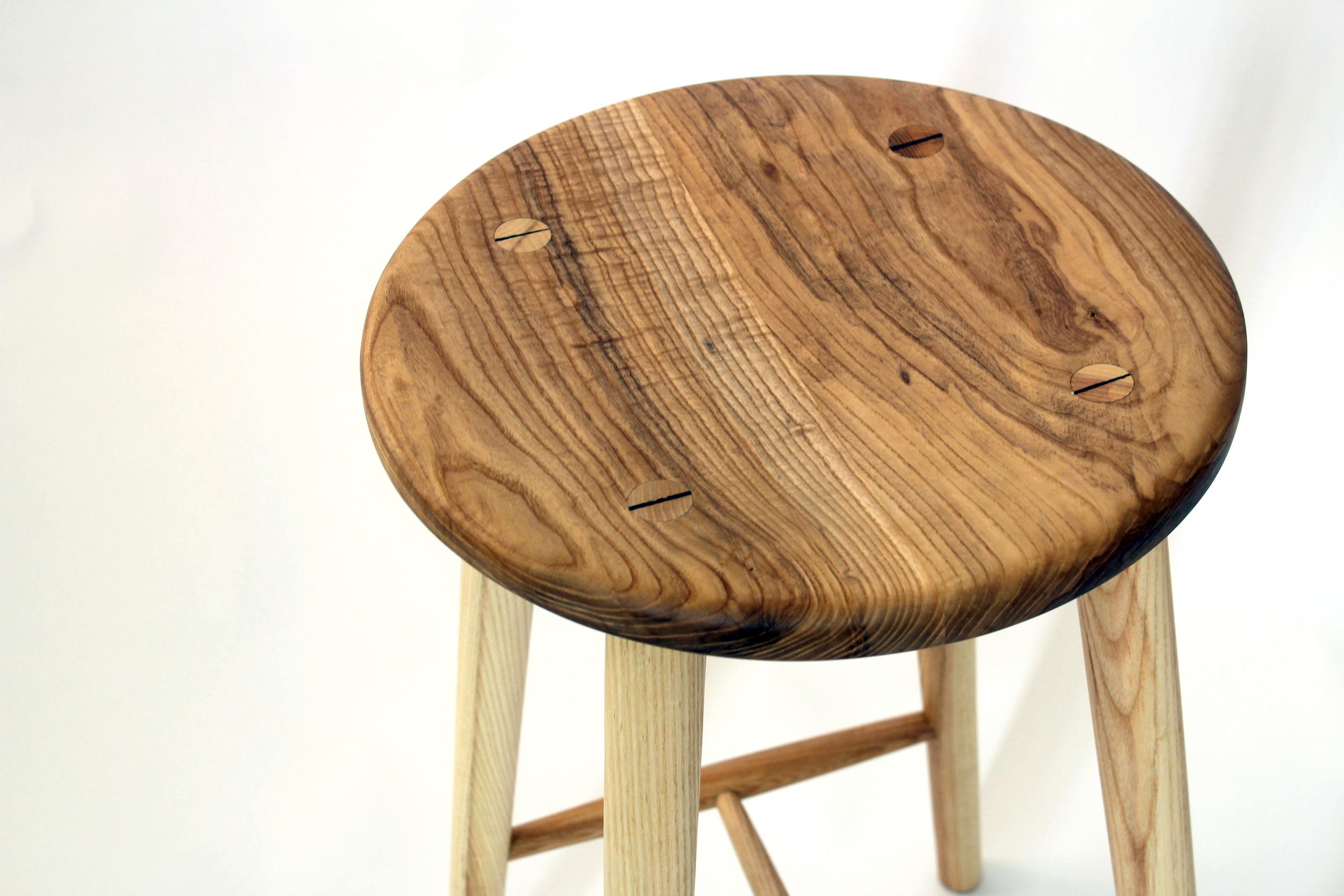 ash stool close.png