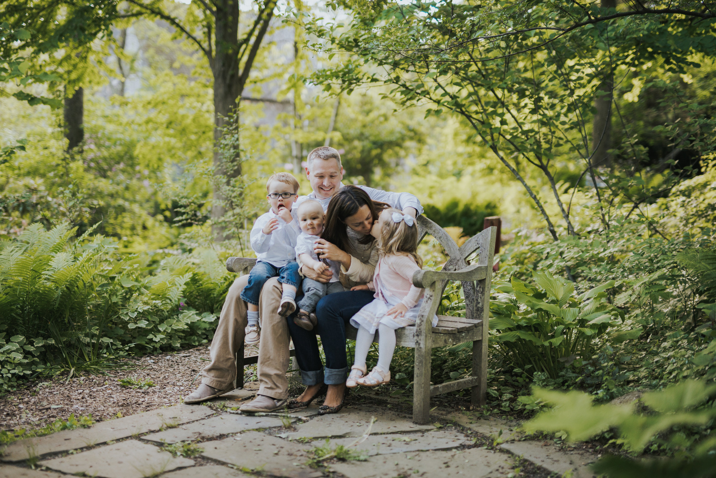 Family in park in Ridgefield,Connecticut Lifestyle Family Photography