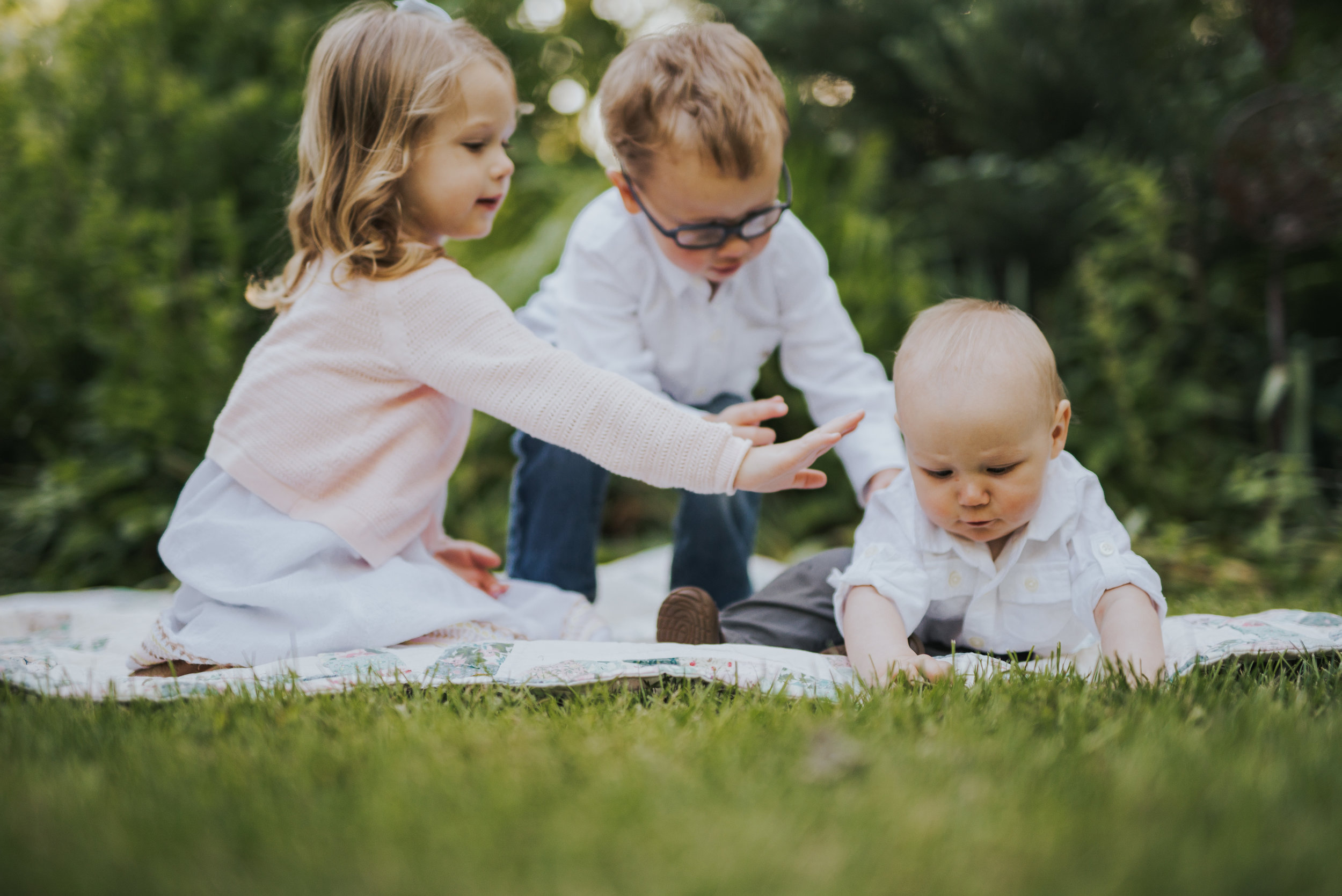 SIblings playing in Park in Ridgefield, Ct Lifestyle Family Photography