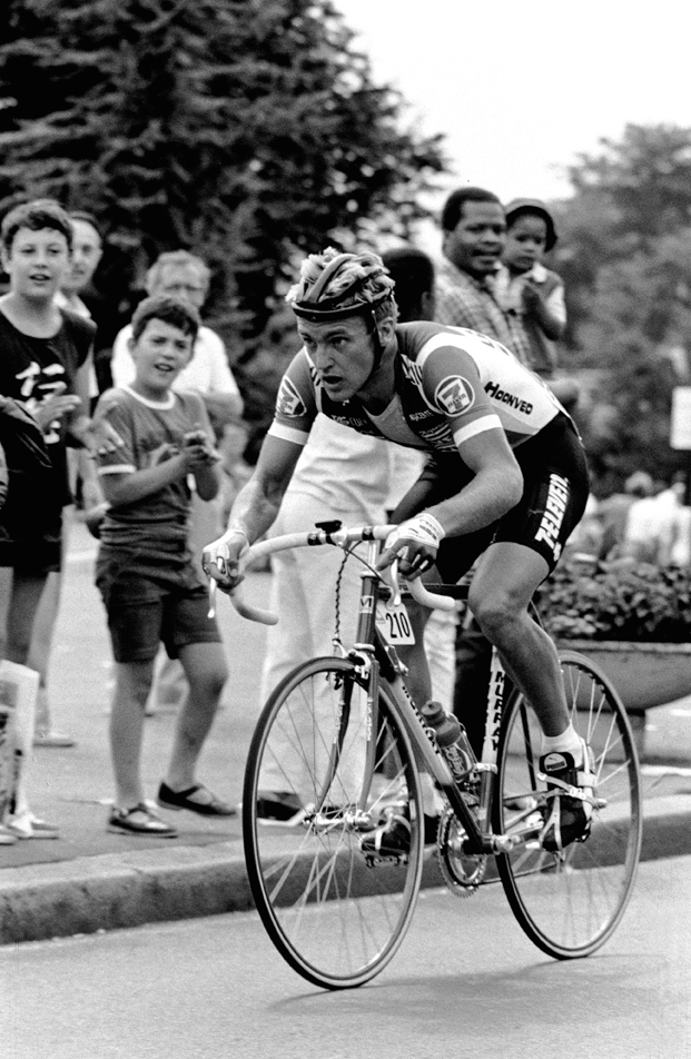 1986_Alex_Stieda_B&W_Break_Skinsuit_jcPhSpt.jpg