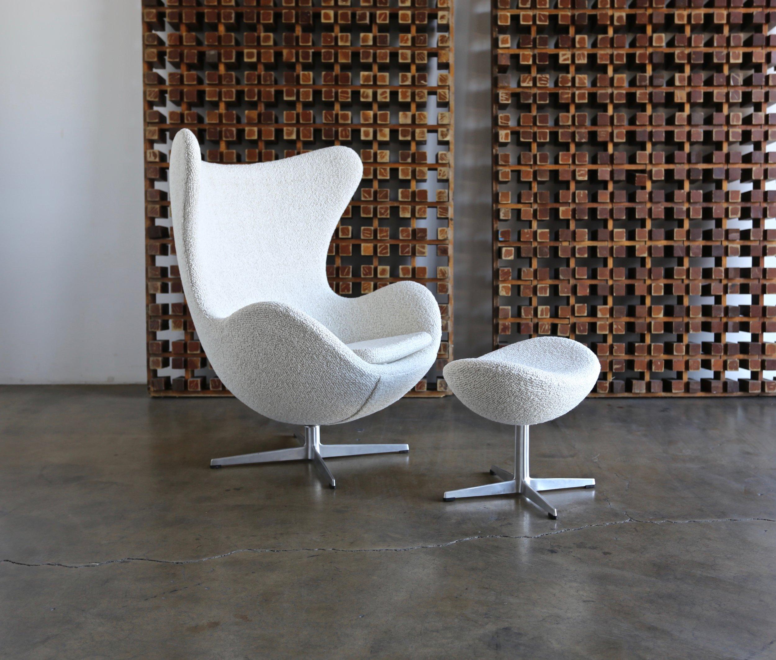Arne Jacobsen Egg Chair.Sold Arne Jacobsen Egg Chair And Ottoman For Fritz Hansen