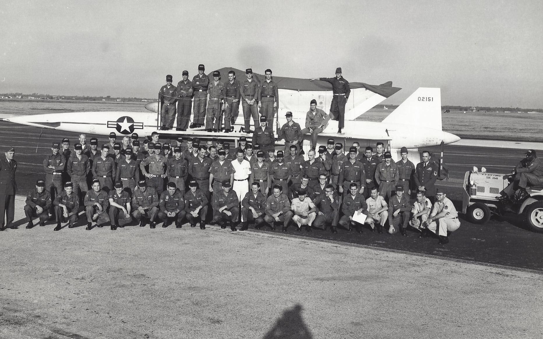 390th_AMMS_Troops_-_Bergstrom_AFB_-_1965 crop.jpg
