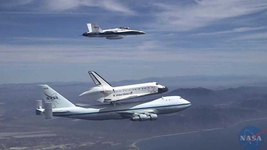 Shuttle Endeavour over Southern California.jpg