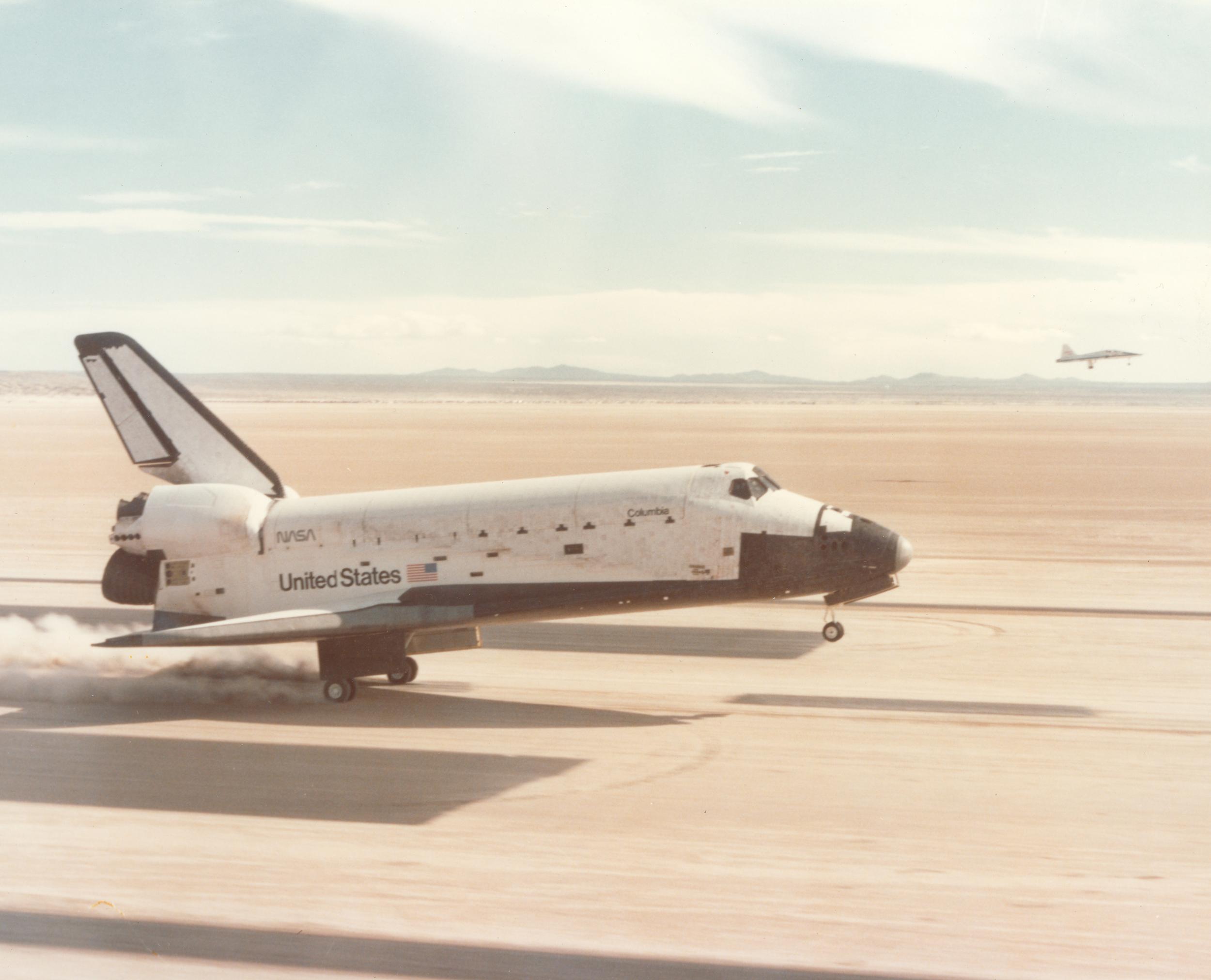 Shuttle Columbia landing quality image 600dpi.jpg