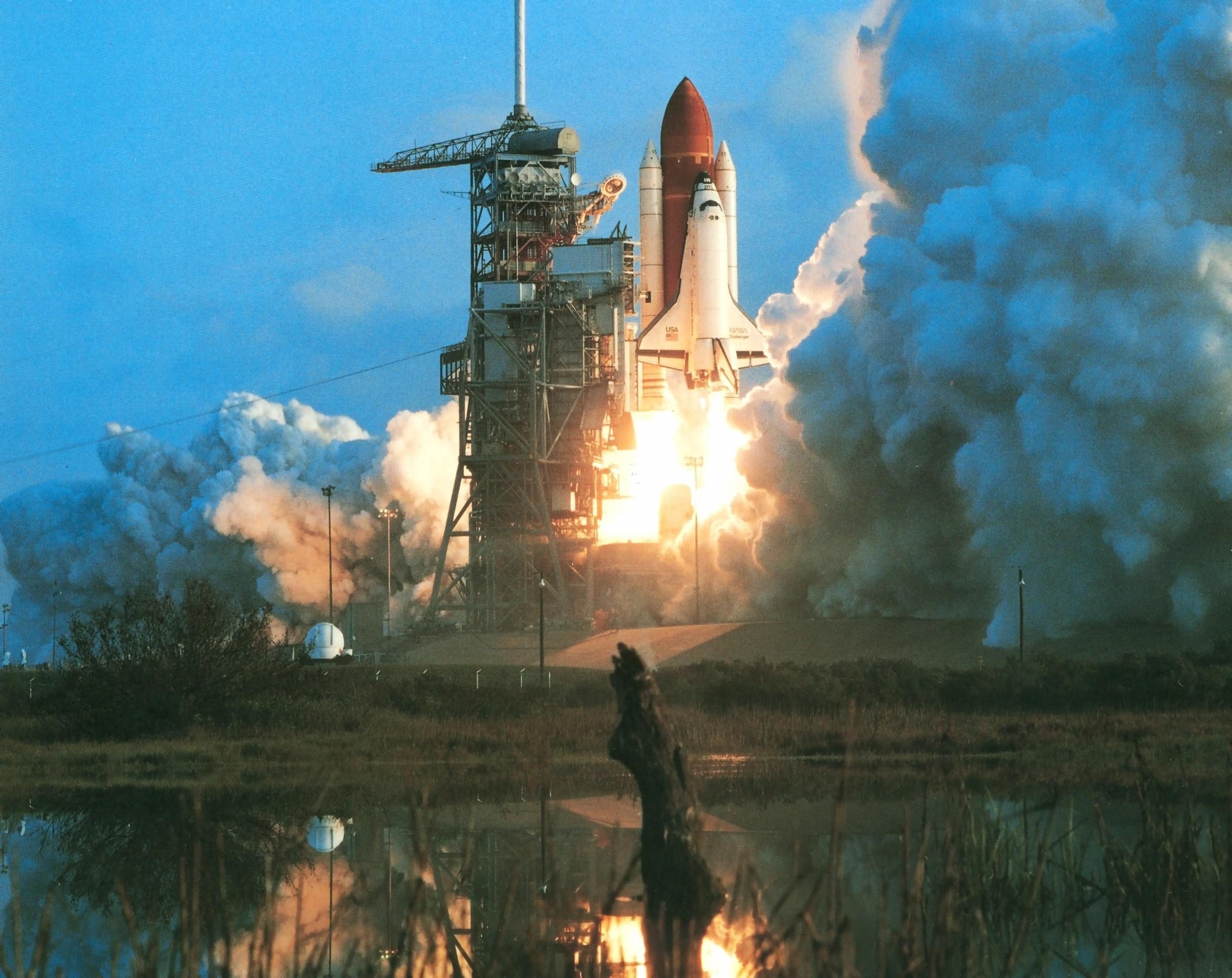 Challenger lift off crop.jpg