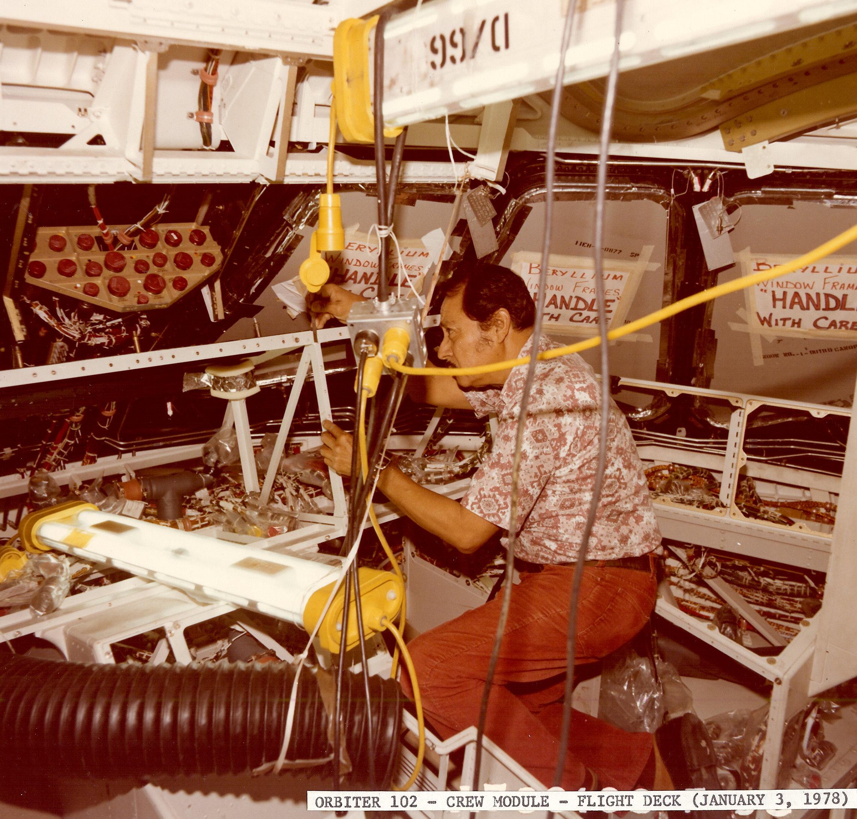 orbiter 102 Crew Module- Flight Deck January 3 1978 ALF Archive.jpg