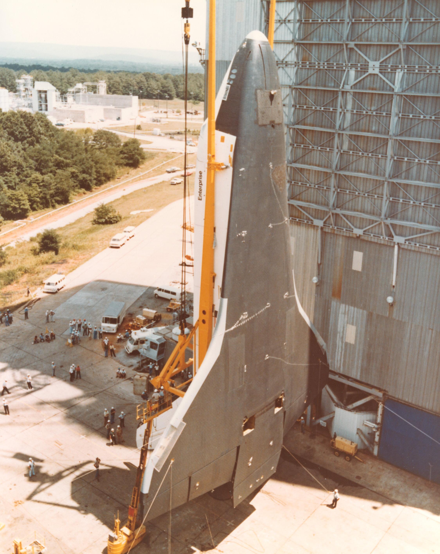 Orbiter Enterprise in vertical position.jpg