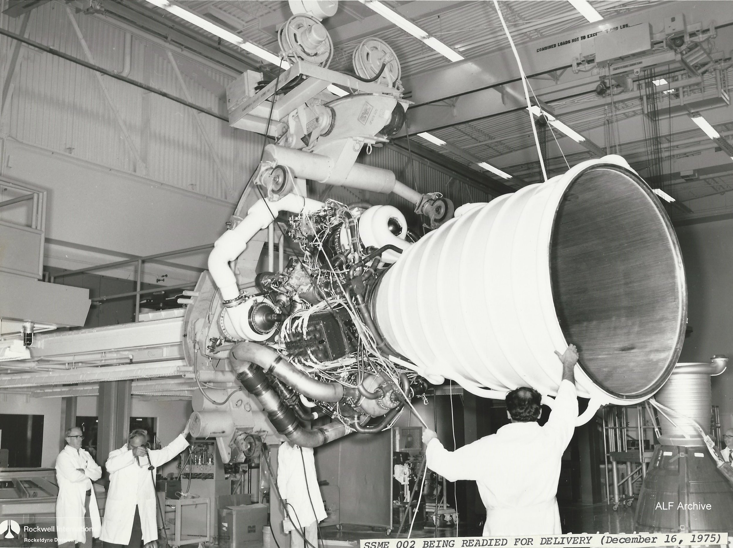SSME 002 readied for delivery dec 16 1975.jpg