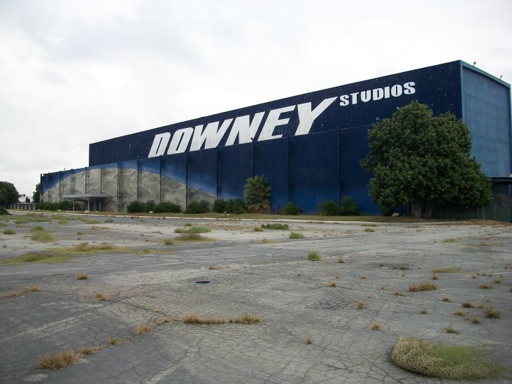Downey Studios Building 290- Photo- Larry Latimer