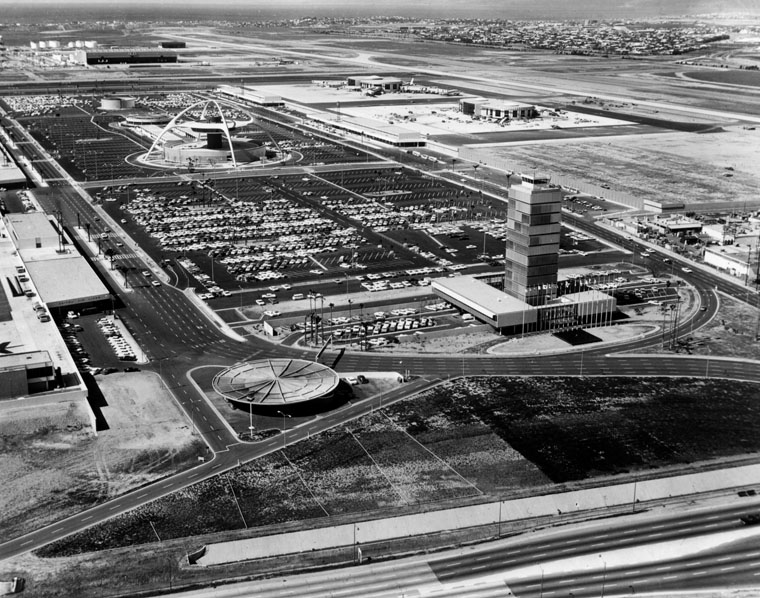 Aerial view of Los Angeles International Airport 1962
