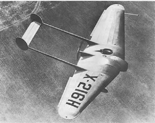 Here's the 'Flying Wing' in the air in 1929, with Bellande at the controls.