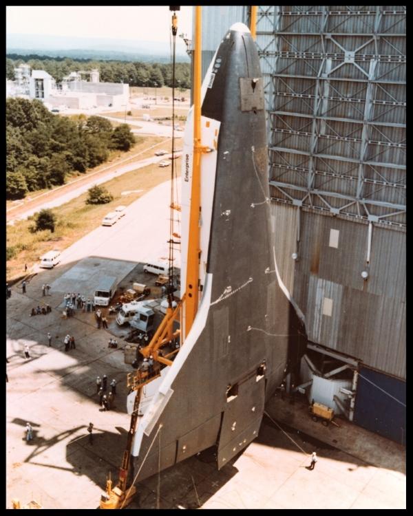 Orbiter Enterprise in vertical position