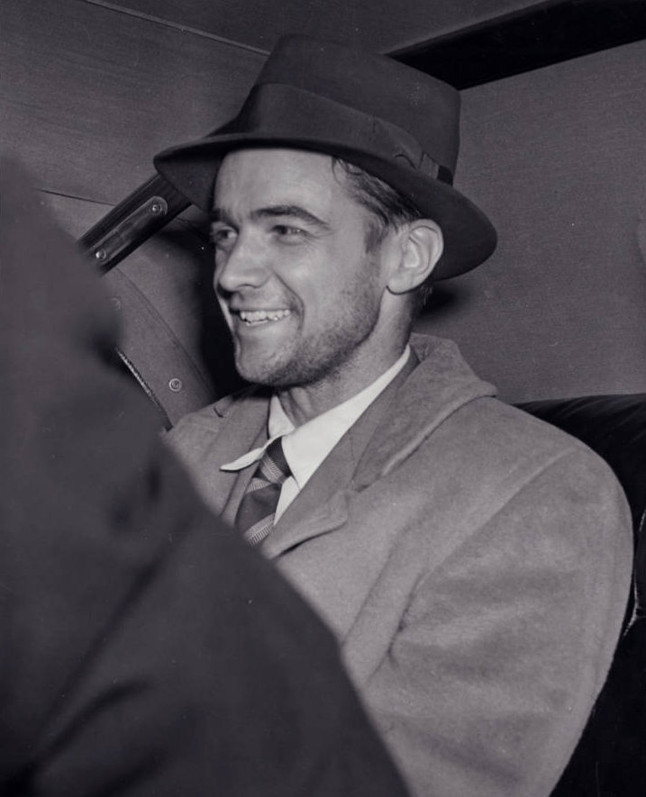 Photograph_of_Howard_Hughes_in_New_York_July_1938 (2).jpg