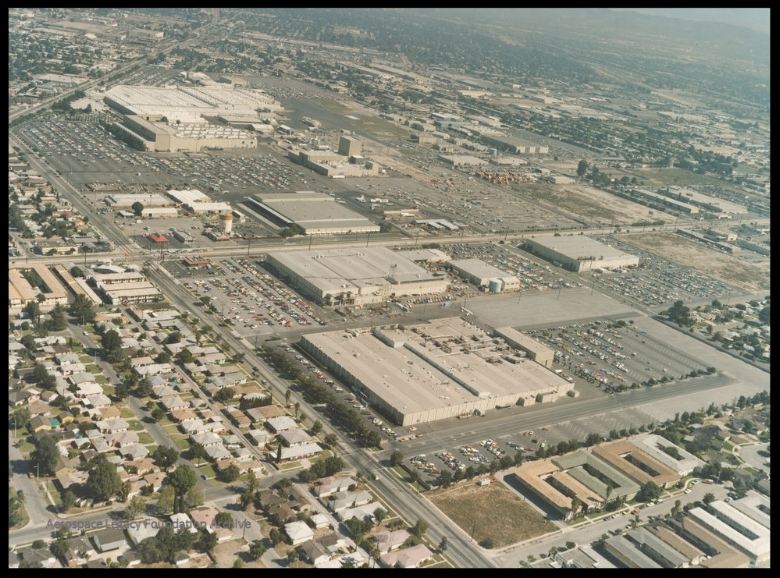 North American Rockwell (Rockwell International) in the 1970's, Downey, California. Lakewood Blvd. upper left, Imperial Hwy. in the middle.