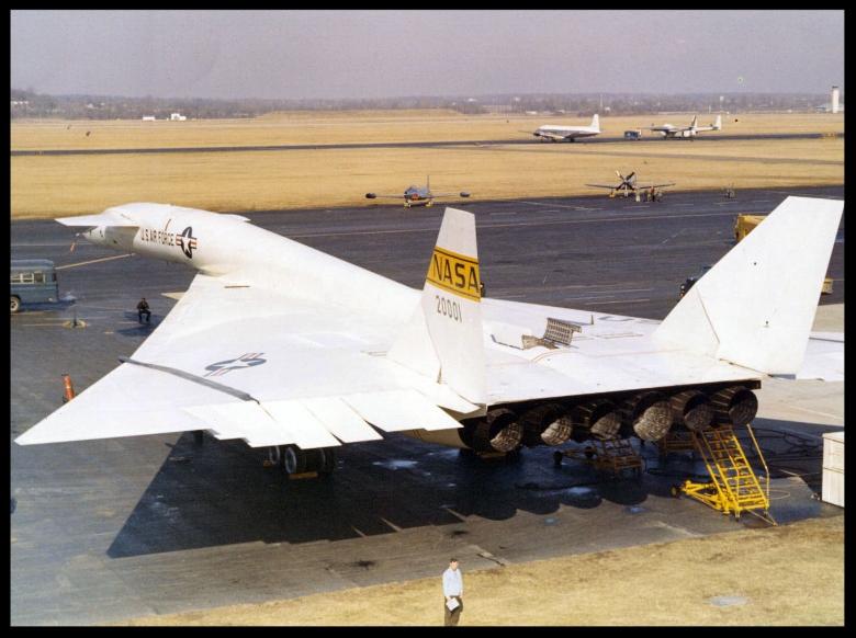 XB-70-Valkyrie-2.jpg