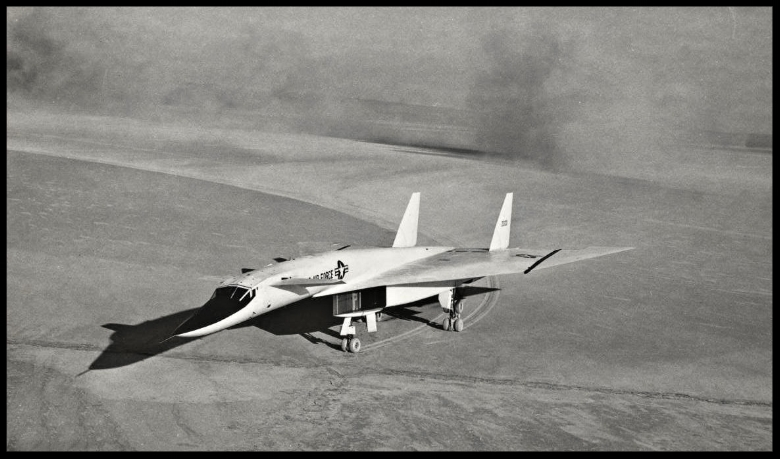 XB-70 taxiing. Dedicated to Conrad Lueke.