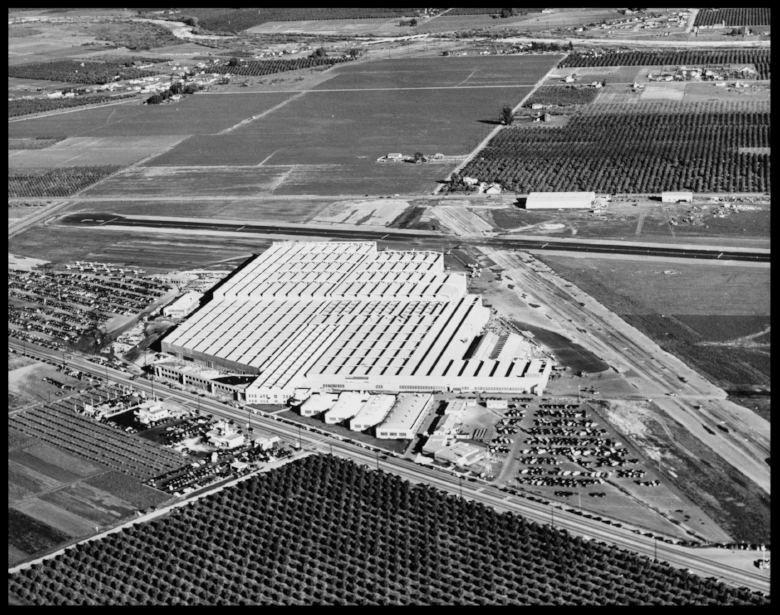 Above- Consolidated Vultee plant in Downey in the 1940. Lakewood Blvd. at Alameda St.San Gabriel River at the top of image.