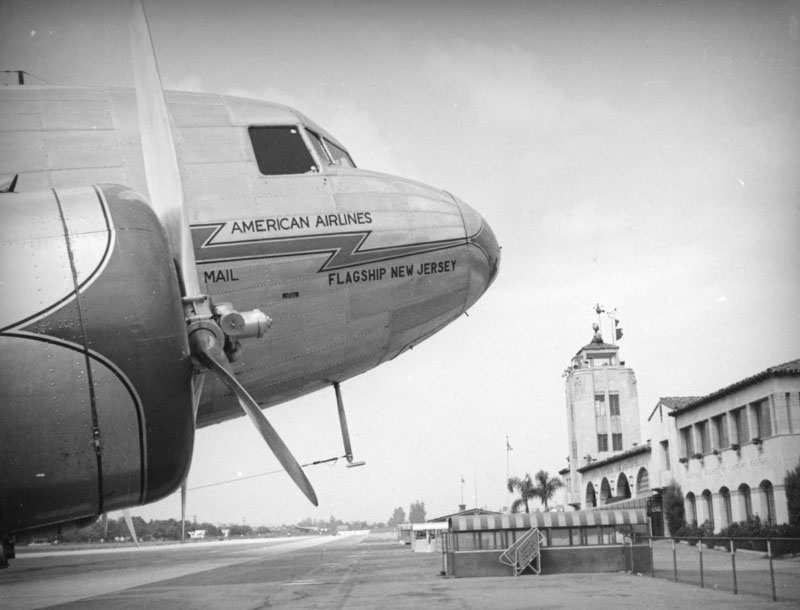 American Airlines DST at Grand Central Air Terminal 1937.jpg