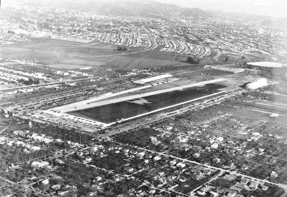 CHS-36357Photograph of an aerial view of Grand Central Air Terminal, Glendale, 1929 calif historical society.jpg