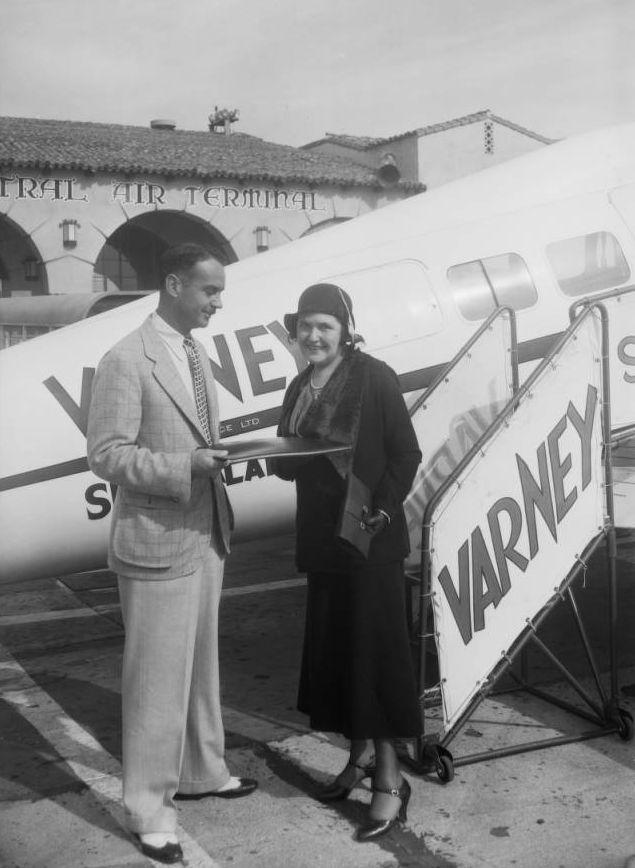Louella Parsons, Grand Central Airport, Glendale, CA, 1931.jpg