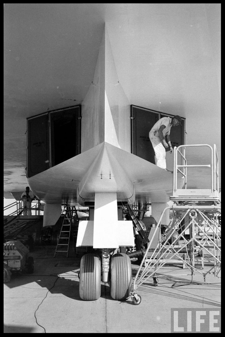 The nose landing gear and the air intake to the six engines of the North American XB-70 Valkyrie . Life Magazine Image.