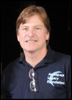 Larry Latimer April 17 2010 Apollo 13 40th.jpg