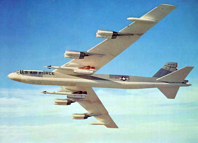 Above- Boeing B-52G-105-BW Stratofortress 58-0216 armed with two North American Aviation AGM-28 Hound Dog ALCMs. (U.S. Air Force)