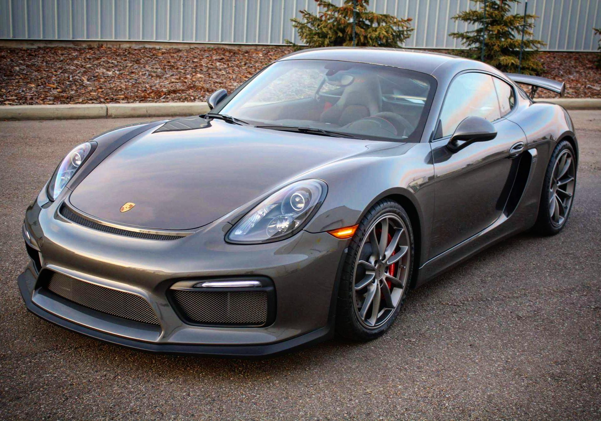 GT4 Porsche Presidential Exterior Detail