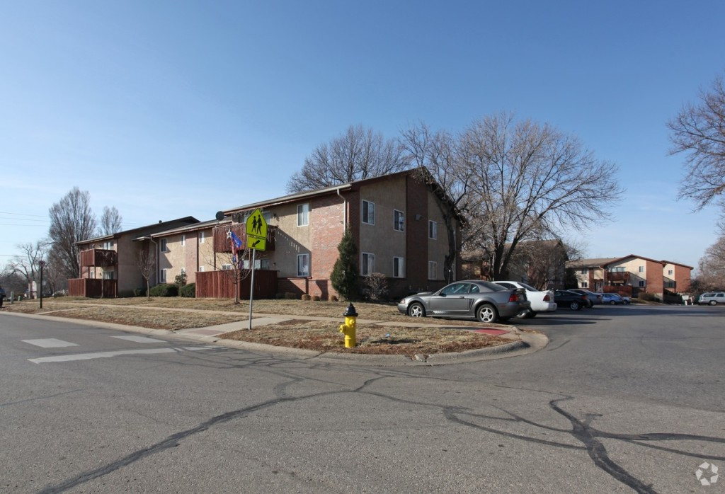 Westbrooke Glen Apartments is located near 75th Street and Quivira Rd. in Johnson County.