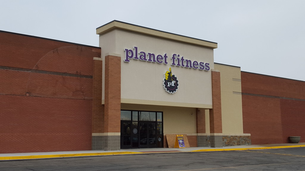 Planet Fitness opened its seventh Kansas City area location in Shawnee, Kan. on January 5, 2016.