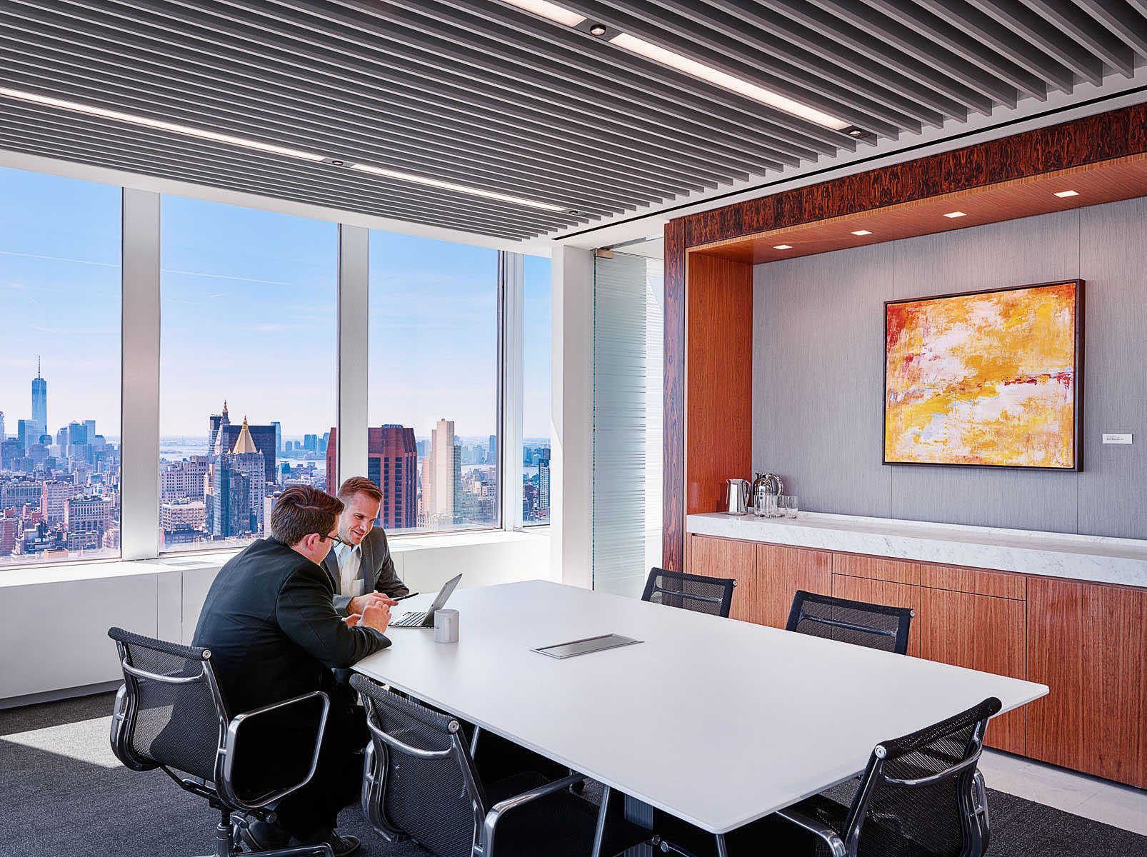 HOK and Polsinelli have transformed the typically private and closed-down feel of a law office into a transparent, natural light filled space.